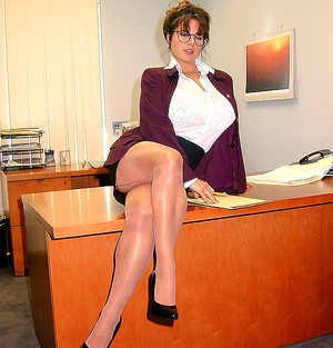 Secretary Tits Pictures