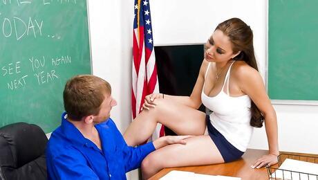 Schoolgirl Tits Pictures