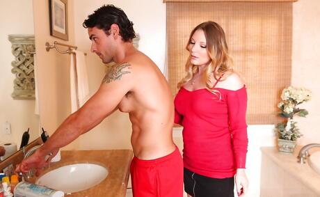 Big Tits Seduction Pictures