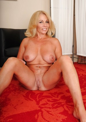 Mature Pussy, Mature Tits Pictures