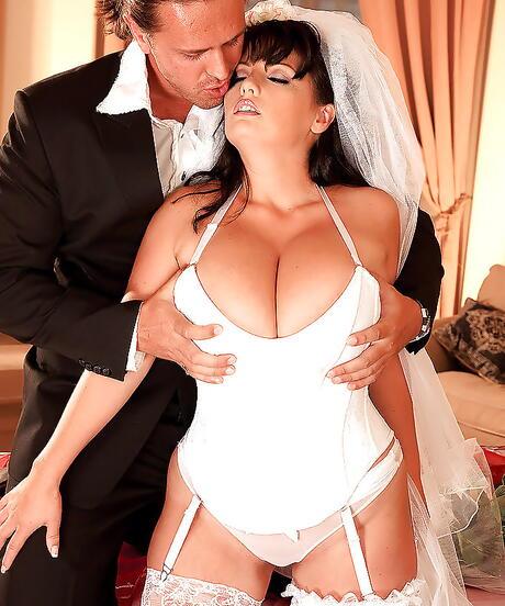 Wedding Big Tits Pictures