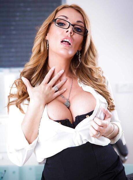 Secretary Tits Pictures