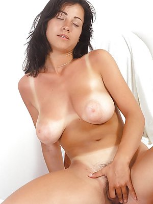 Housewife Tits Pictures