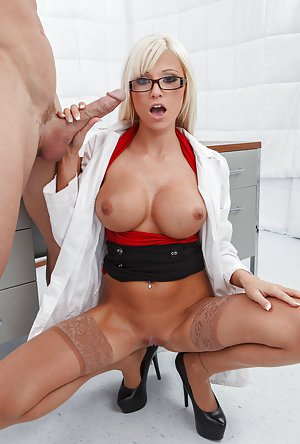 Tits and Shaved Pussy Pictures