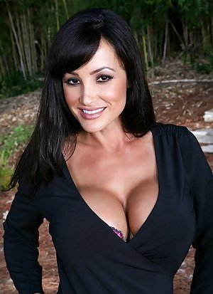 Big Tits Cougar Pictures